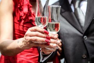 Cerimony-champagne-man-1033-525x350