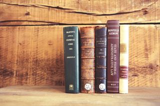 Life-of-Pix-free-stock-old-books-wooden-shelves-leeroy